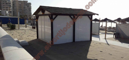 Heathered roof for hut