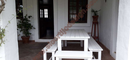 Outdoor table white finish